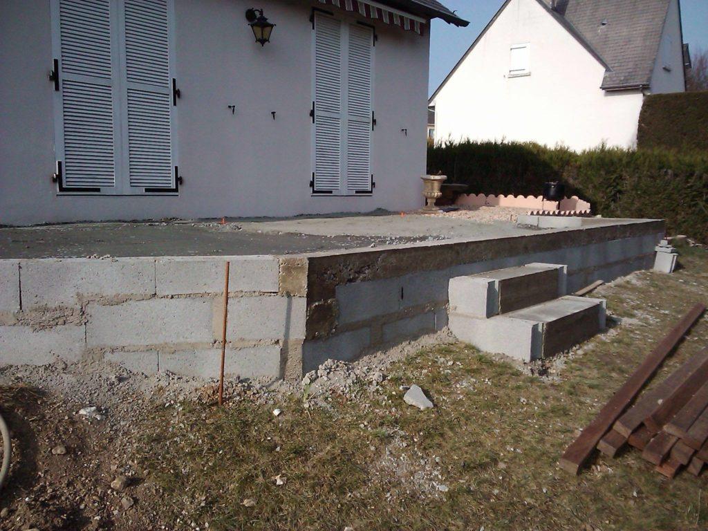 Dallage d'une terrasse en béton par Entre Pierres et Vert